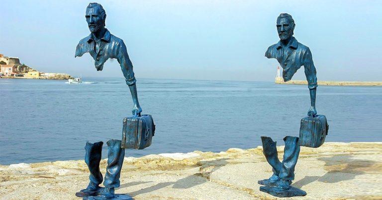 Szürreális szobrok