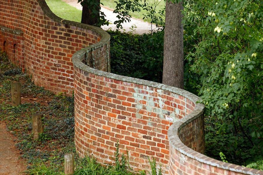 tégla hullám kerítés