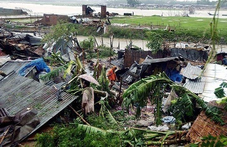 Bangladesi szőkőár péntek 13