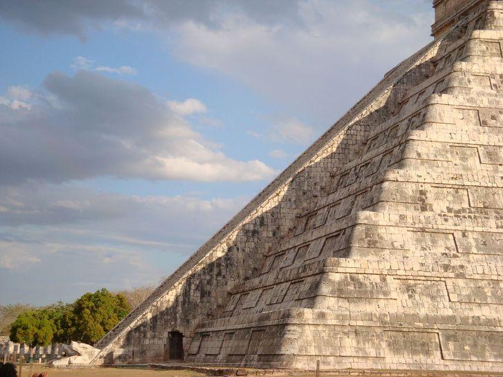 Kígyó árnyék piramis