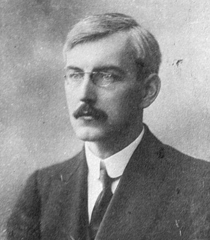 Harold Williams poliglot