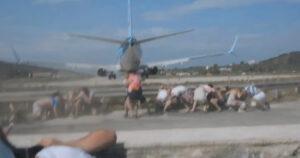 Repülő mögött állás