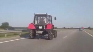 Autópálya traktor