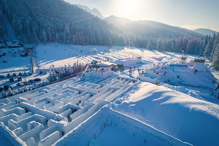 snow maze snowlandia zakopane poland 3 5def91acce5fb 700
