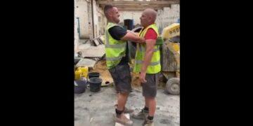 Építőmunkások szívatás