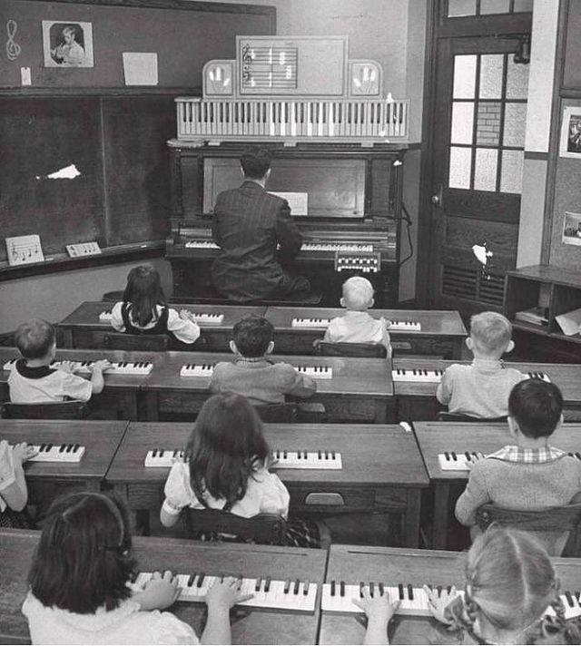 1616004397 urok igry na fortepiano ssha 1947 god
