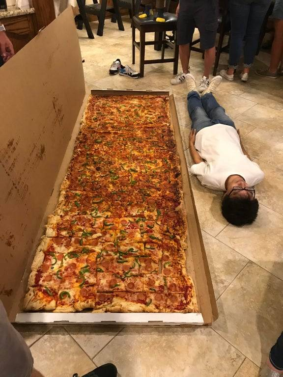 1624950434 biggest pizza that can be ordered in us
