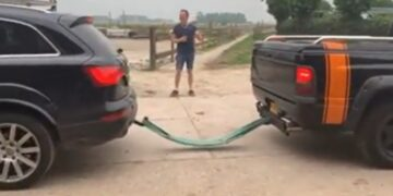 Audi Q7 vs Dodge Ram