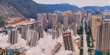 Kínai toronyházak lerombolása